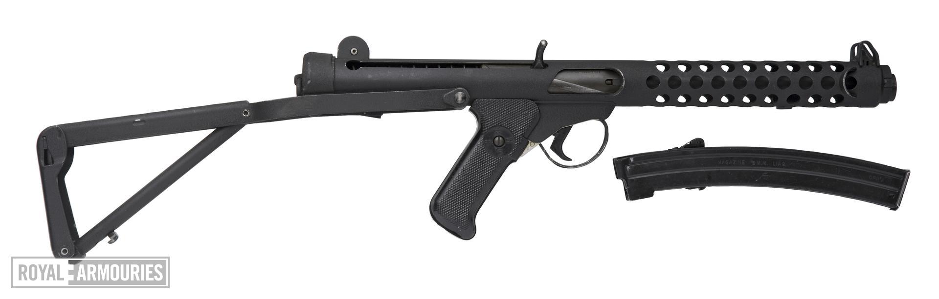 Centrefire automatic submachine gun - Sterling Mk.IV (L2A3)