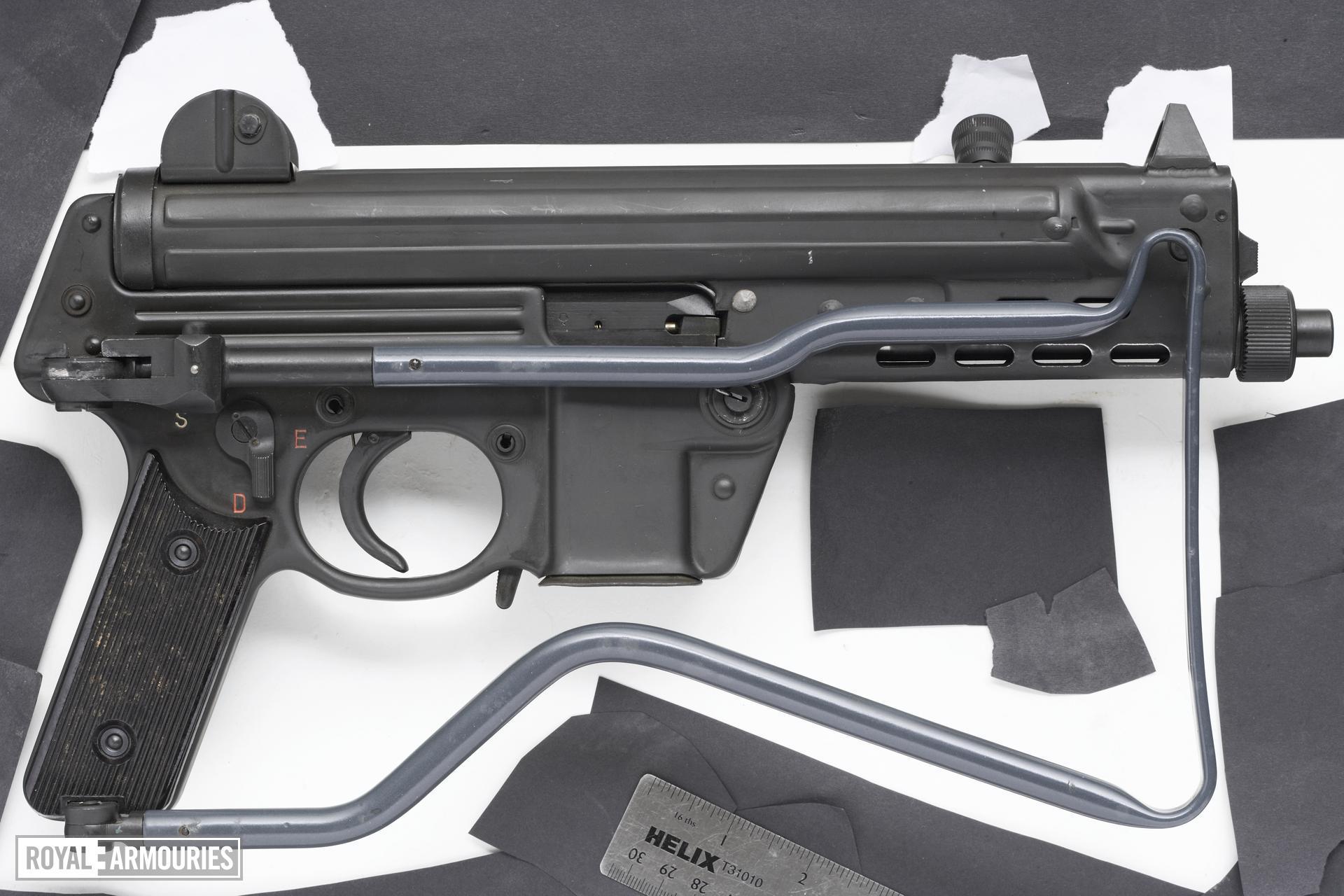 Centrefire automatic submachine gun - Walther MPK