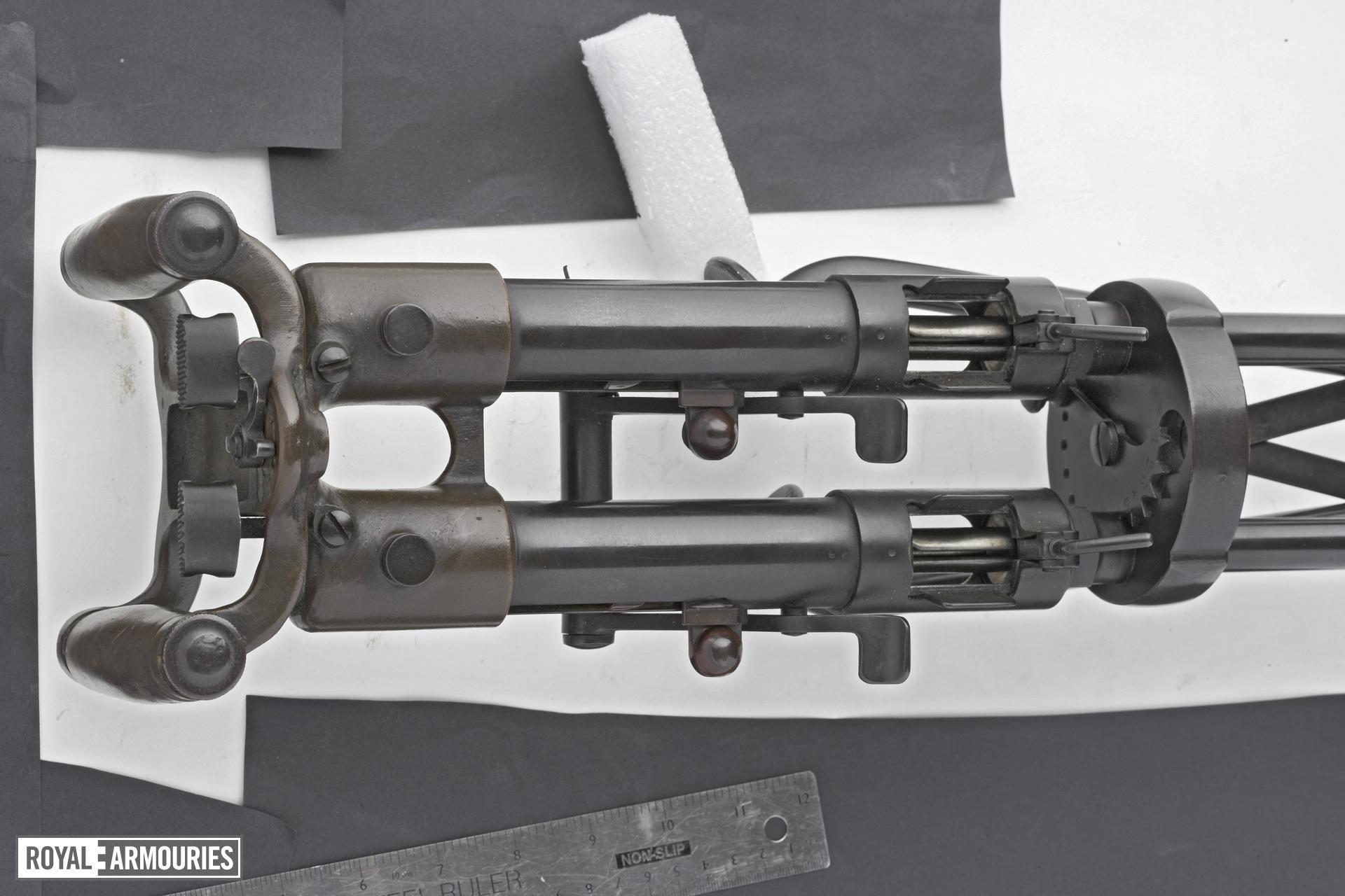 Centrefire automatic submachine gun - Twin Villar Perosa