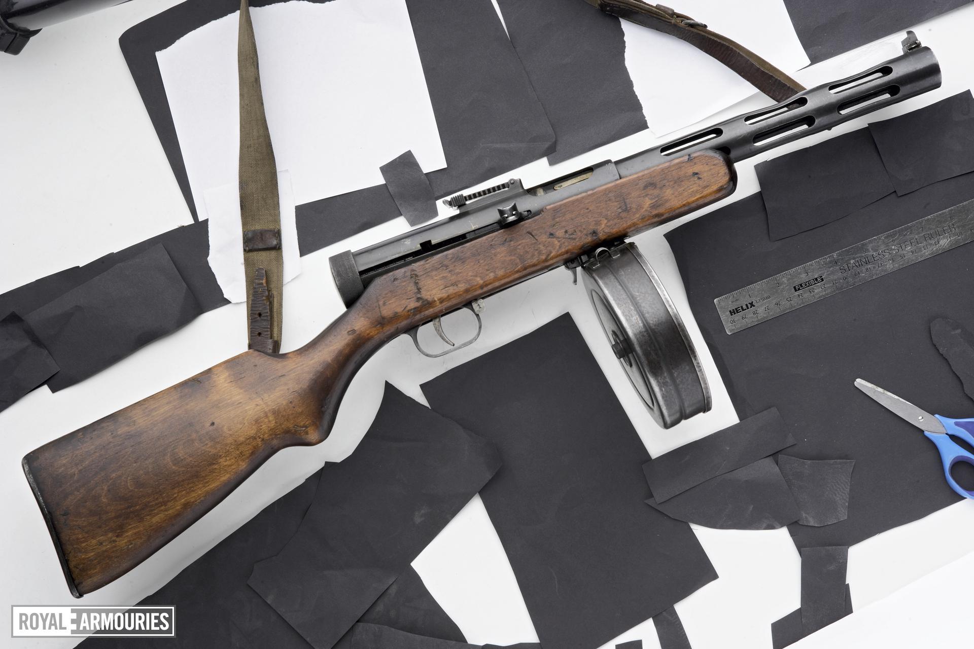 Centrefire automatic submachine gun - Degtyarev PPD 34/38