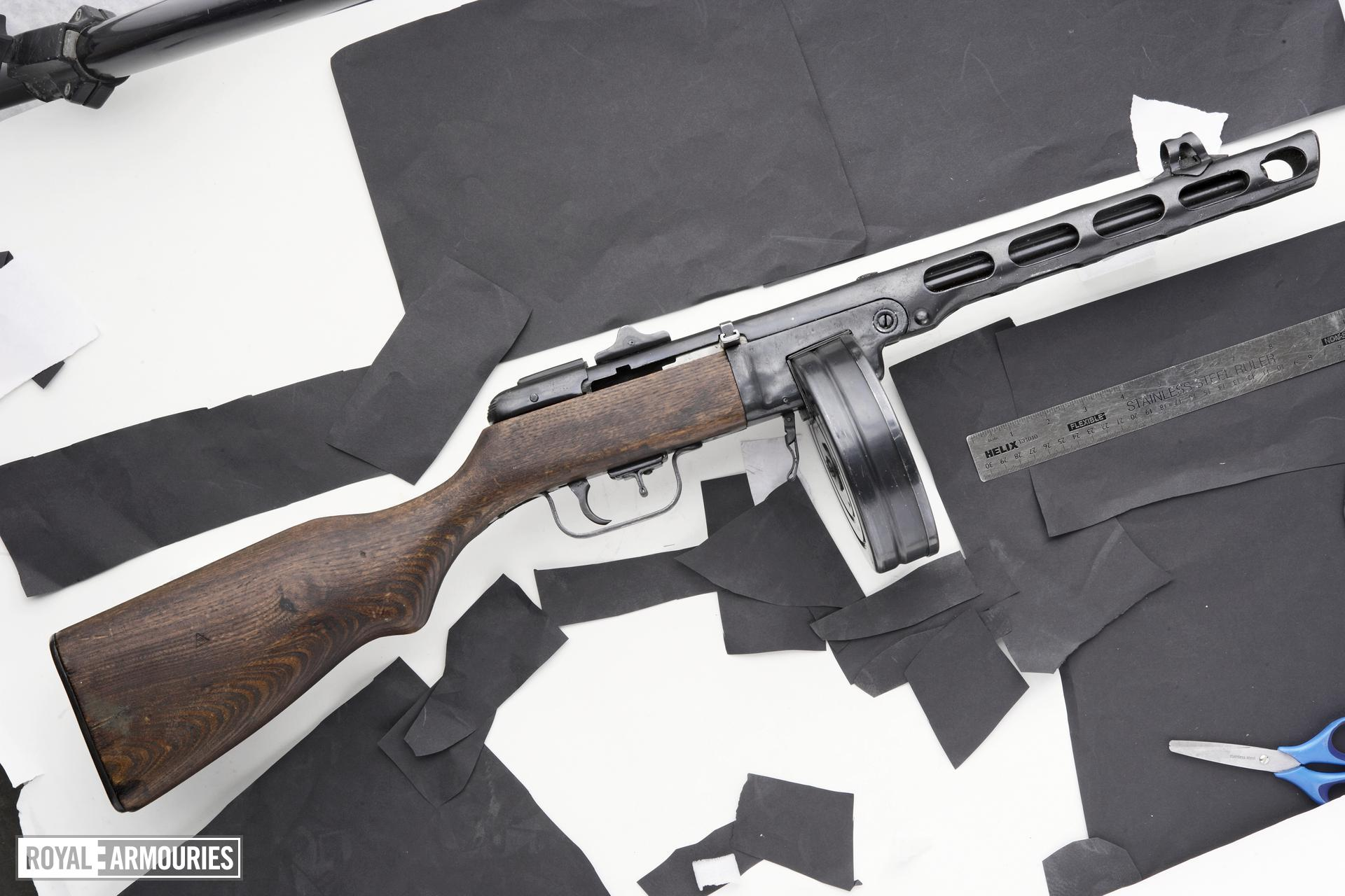 Centrefire automatic submachine gun - Shpagin PPSH41