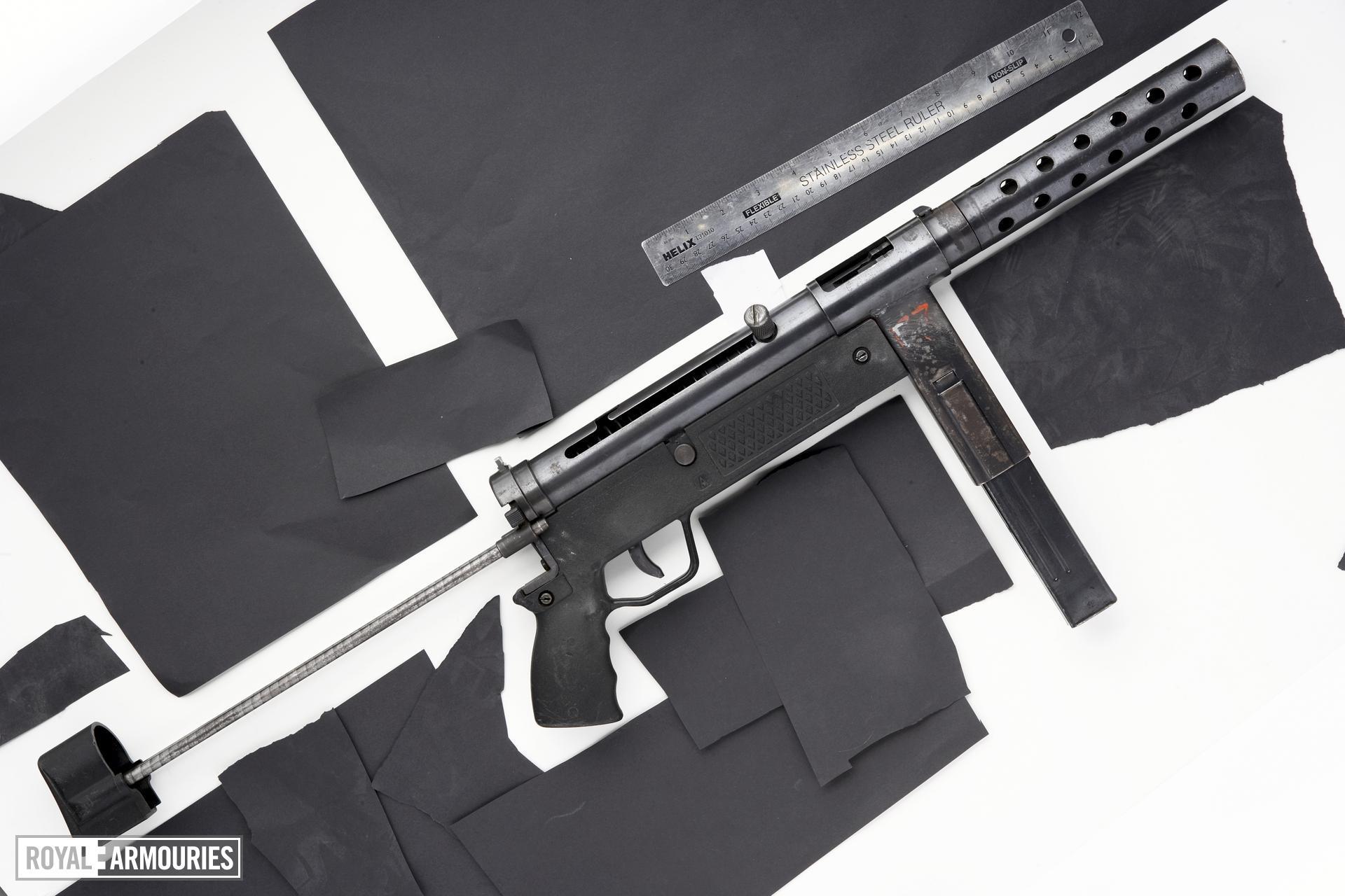 Centrefire automatic submachine gun - Zagi M91