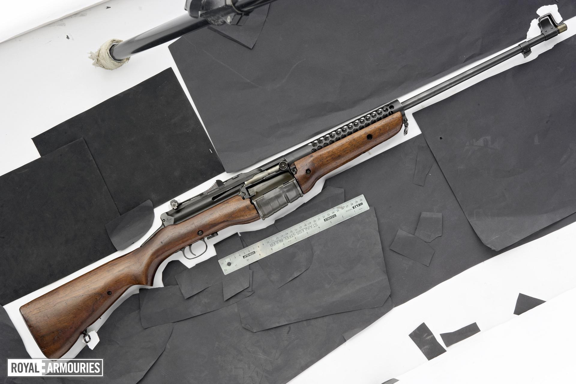 Centrefire bolt-action rifle - Mauser CZ Model 1935