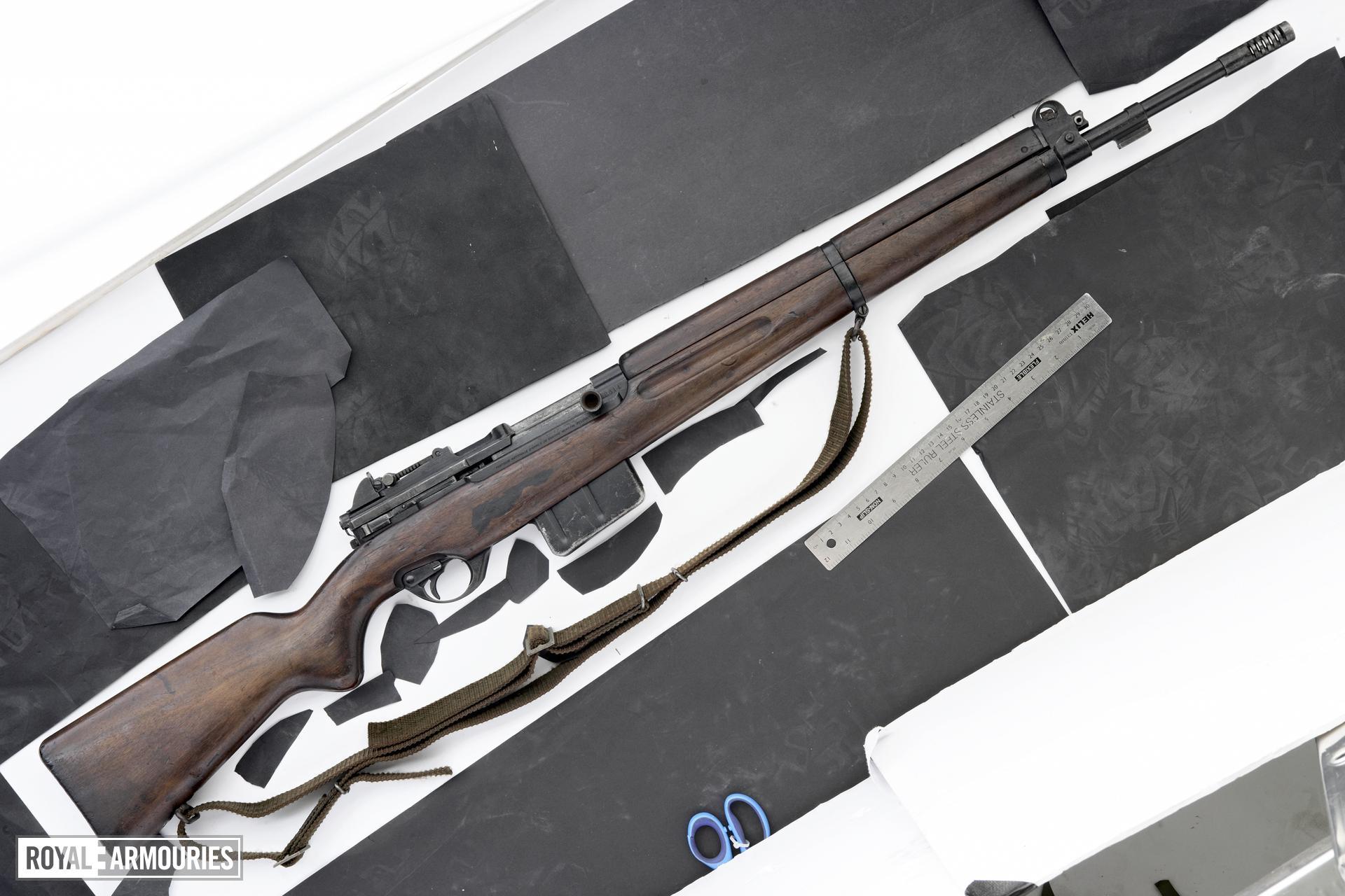 Centrefire self-loading rifle - FN SAFN Model 1949