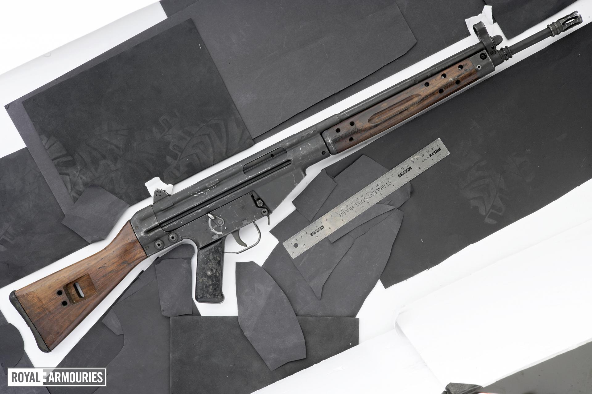 Centrefire automatic rifle - CETME Model C