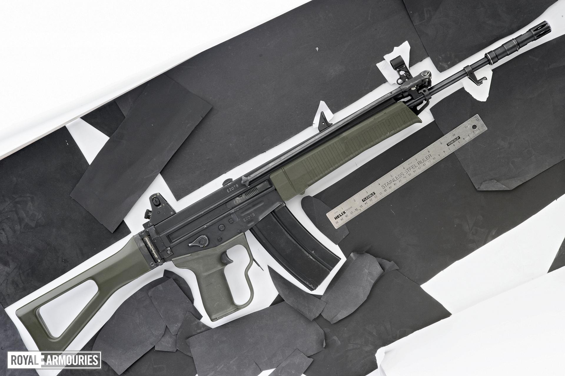 Centrefire automatic rifle - Experimental Bern WF Model SG E22