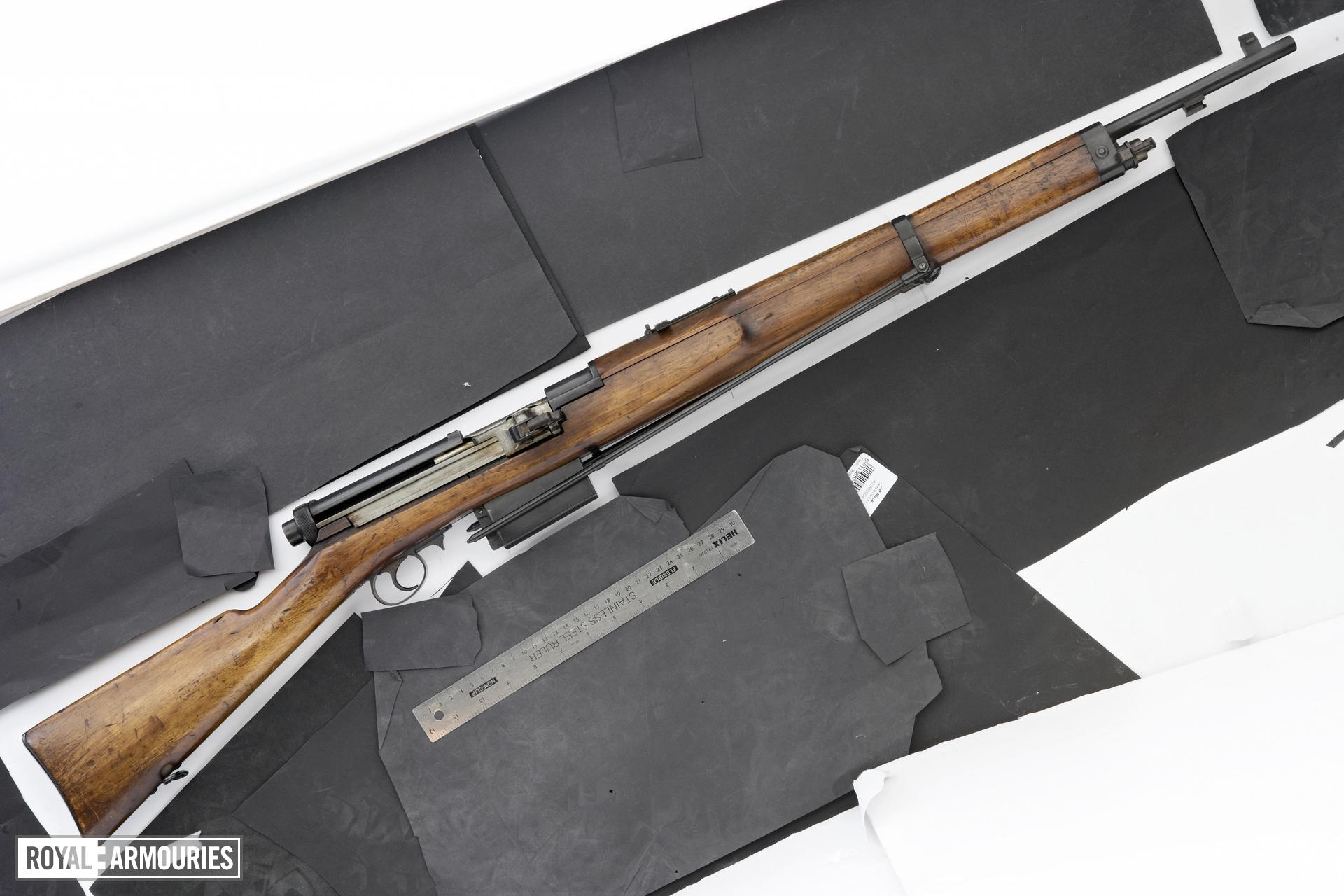 Centrefire self-loading rifle - Mondragon Model 1908