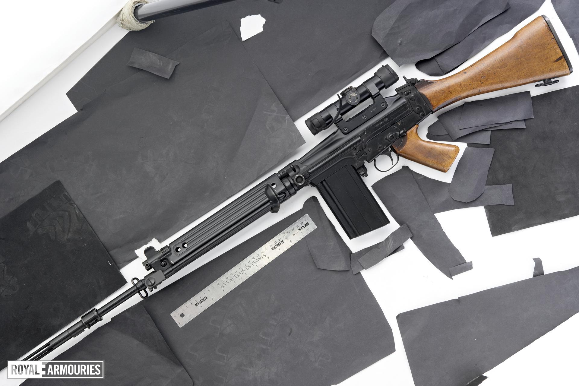 Centrefire automatic sniper rifle - FN FAL G1