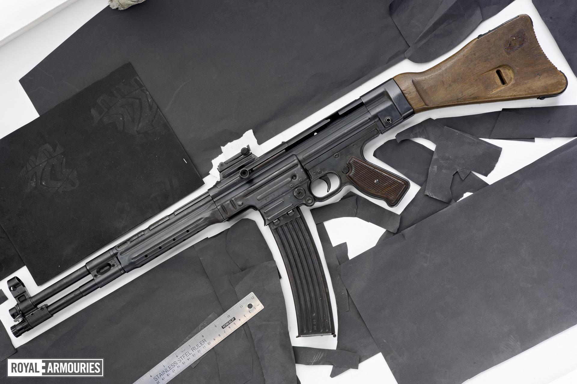Centrefire automatic rifle - Haenel Mkb42 (H)