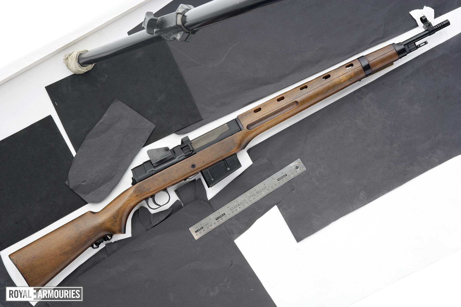 Centrefire self-loading rifle - Madsen Ljungman