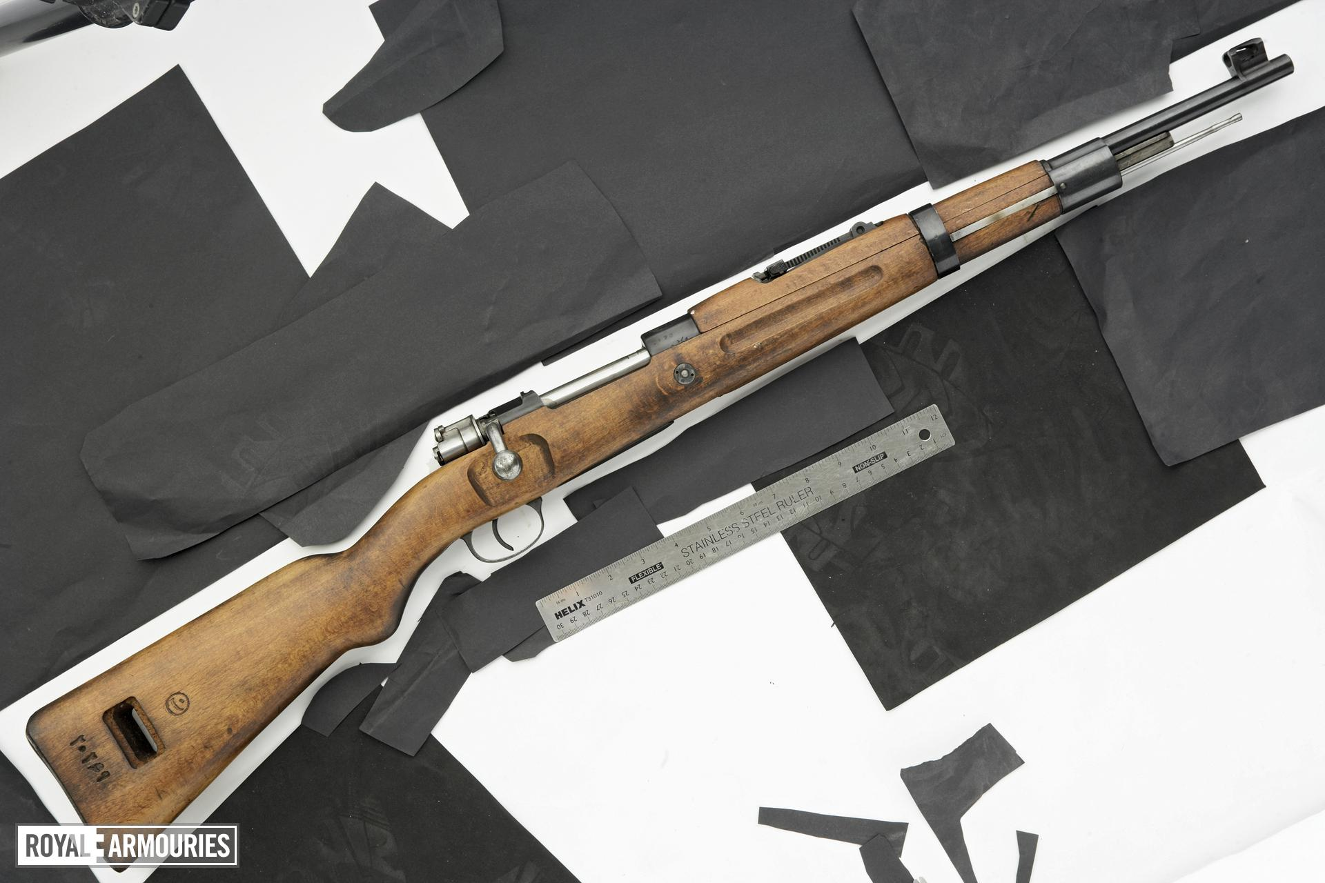 Centrefire bolt-action carbine - Mauser Model 49