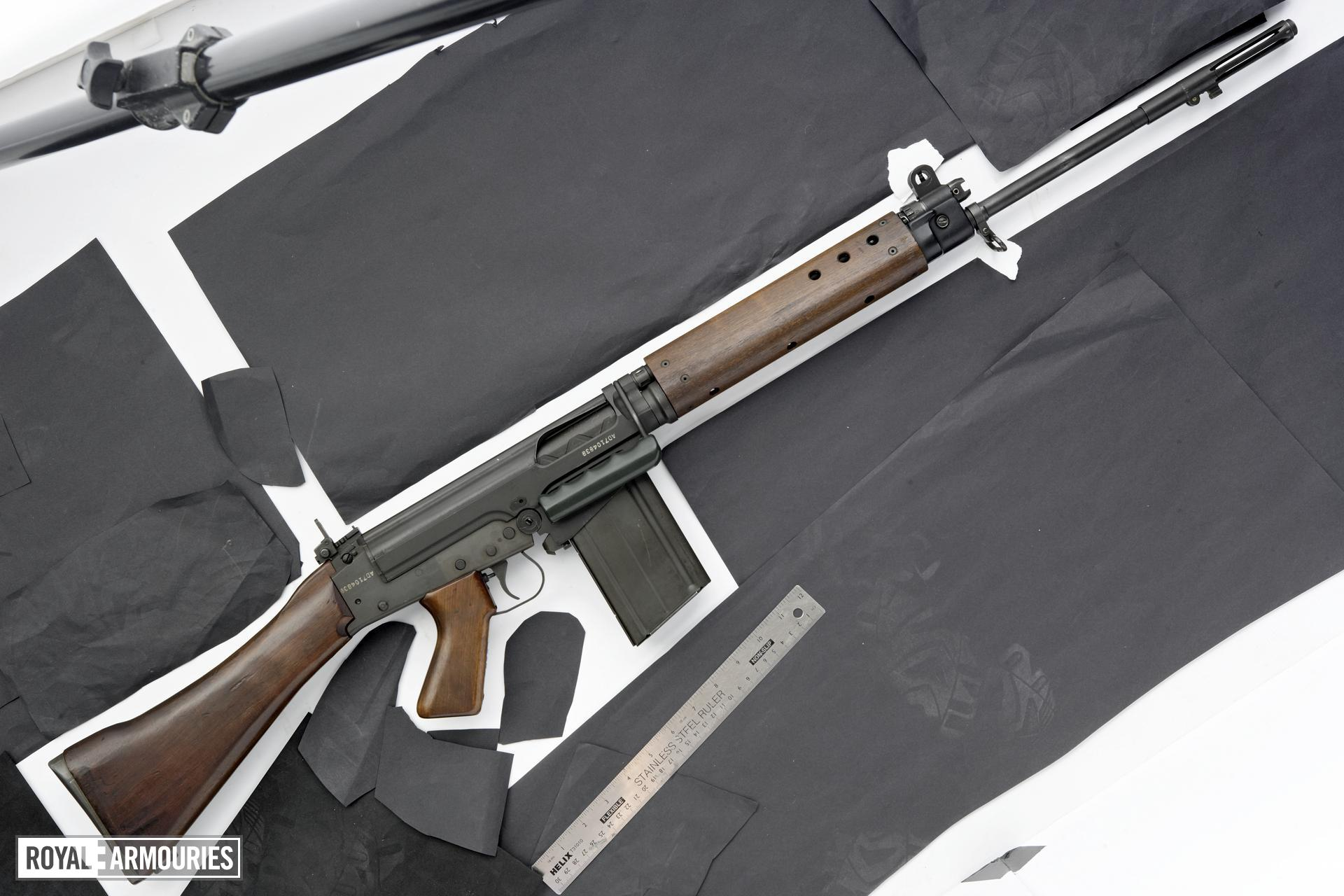 Centrefire self-loading rifle - FN L1A1