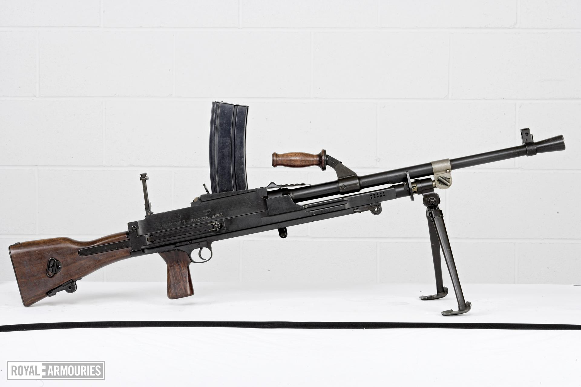 Centrefire automatic light machine gun - Experimental Bren Mk.II Produced by Canadian Arsenals.
