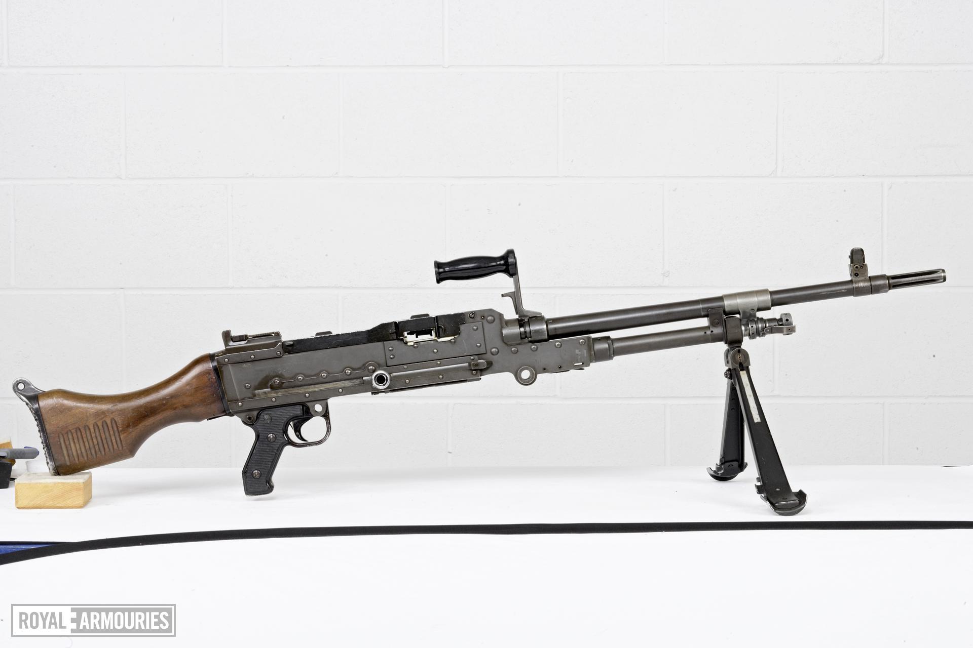 Centrefire automatic machine gun - FN MAG58