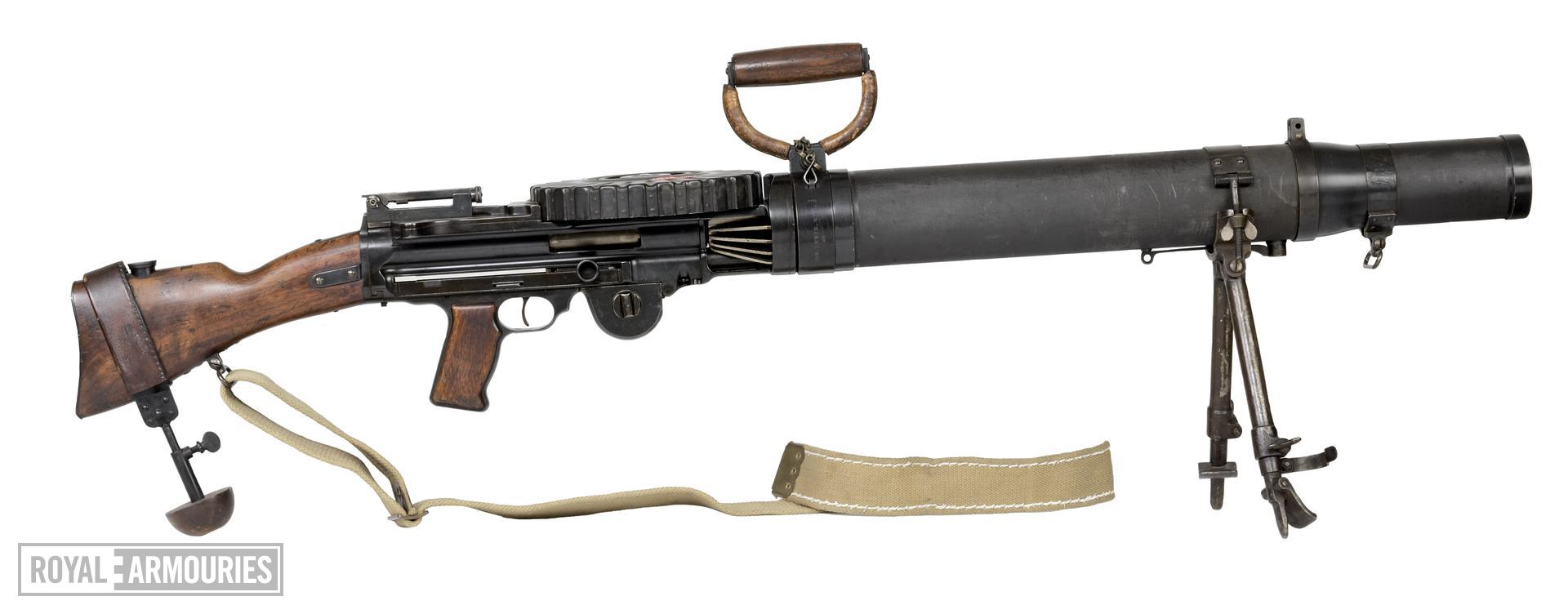 Centrefire automatic light machine gun - Lewis Mk.I