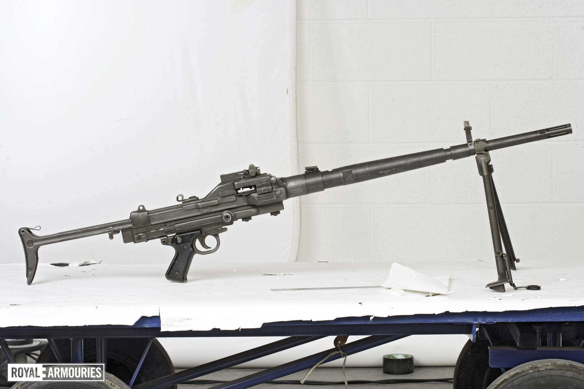 Centrefire automatic machine gun - Model AA-F1