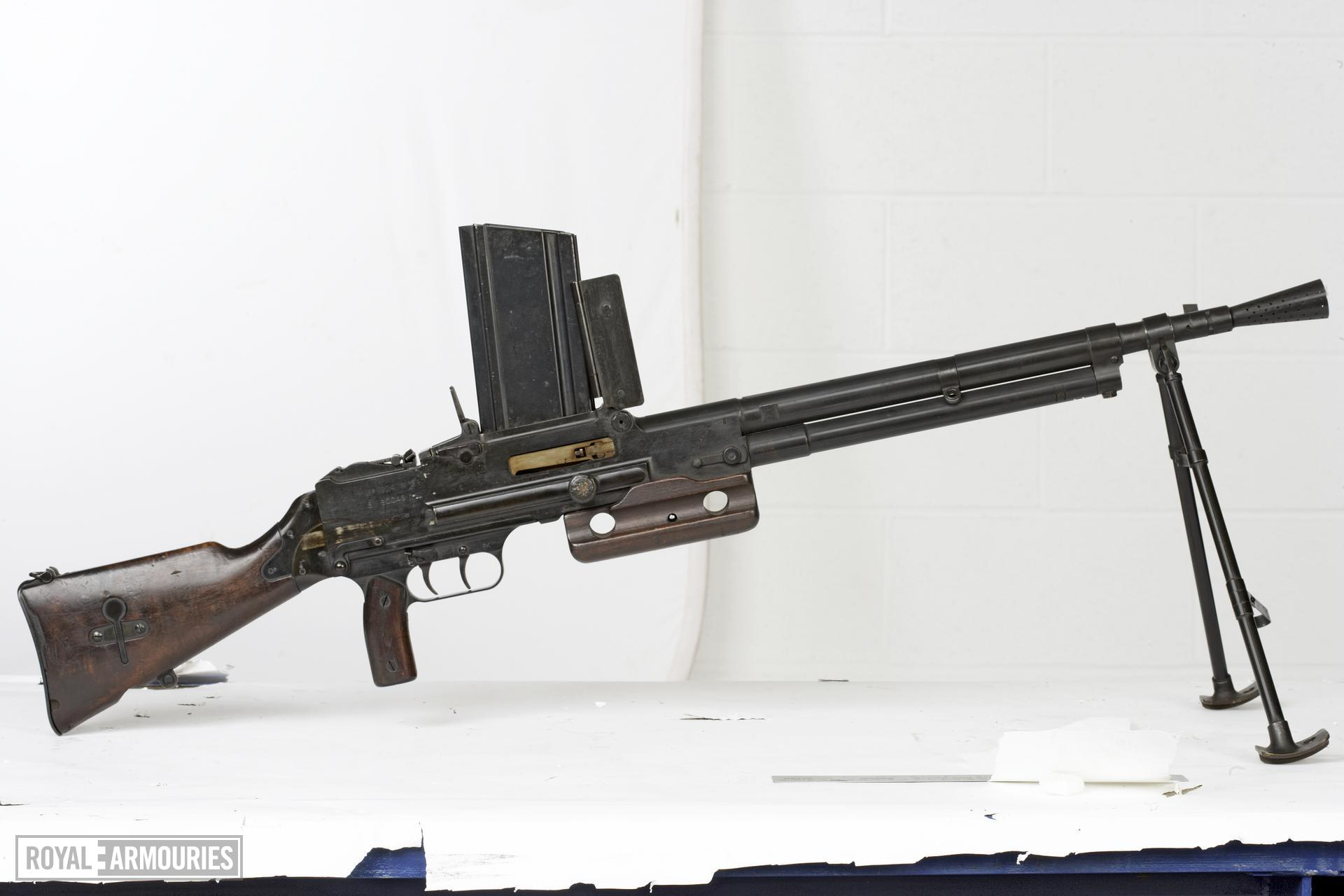 Centrefire automatic light machine gun - Chatellerault Model 1924-M29