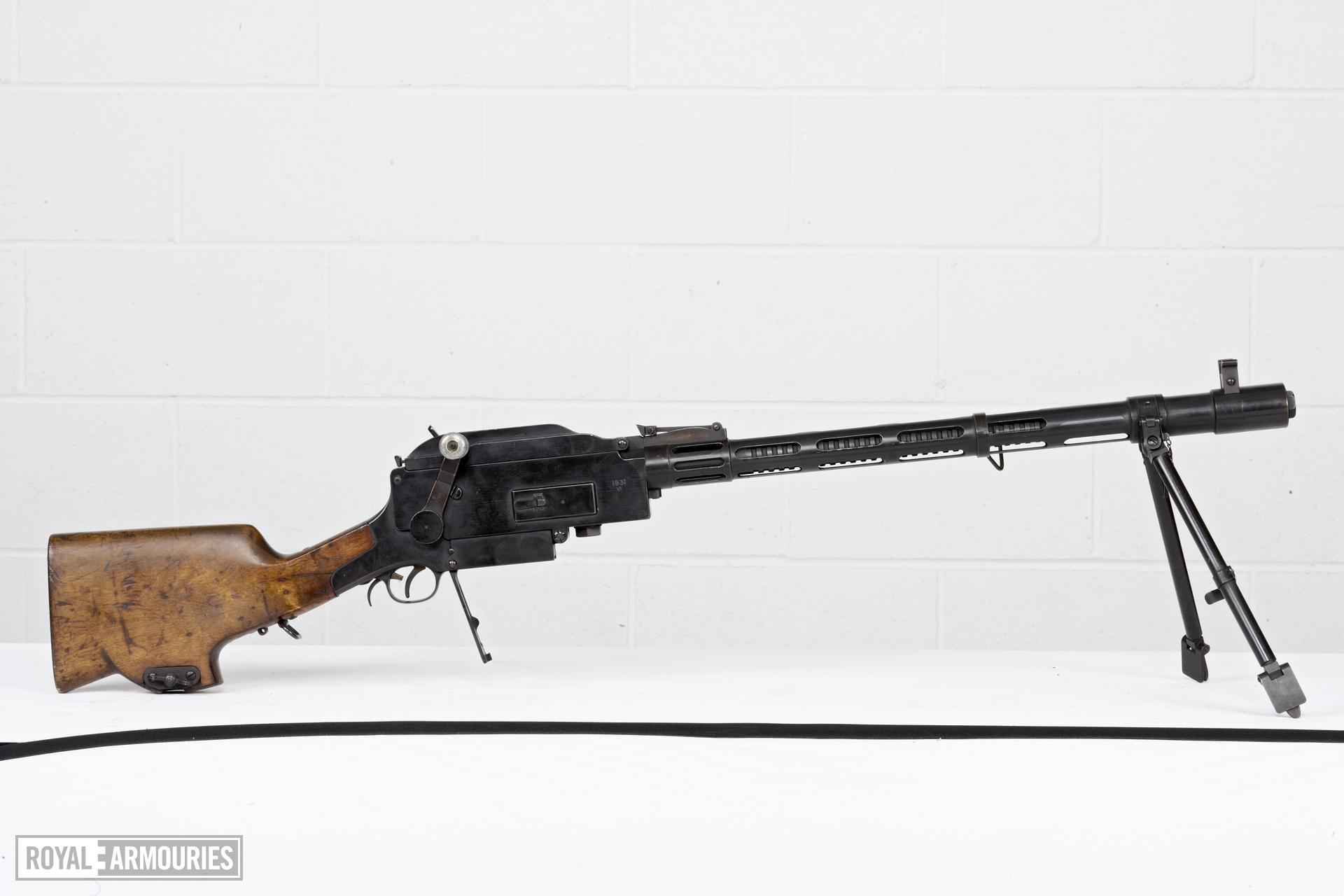 Centrefire automatic light machine gun - Madsen Model 1922