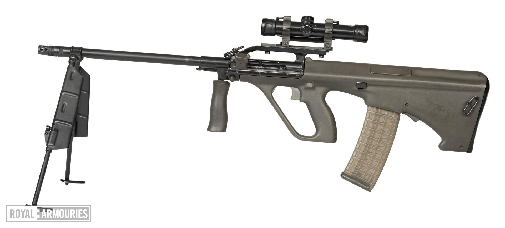 Centrefire automatic light machine gun - Steyr AUG-A1 LSW Light Support Weapon (LSW).