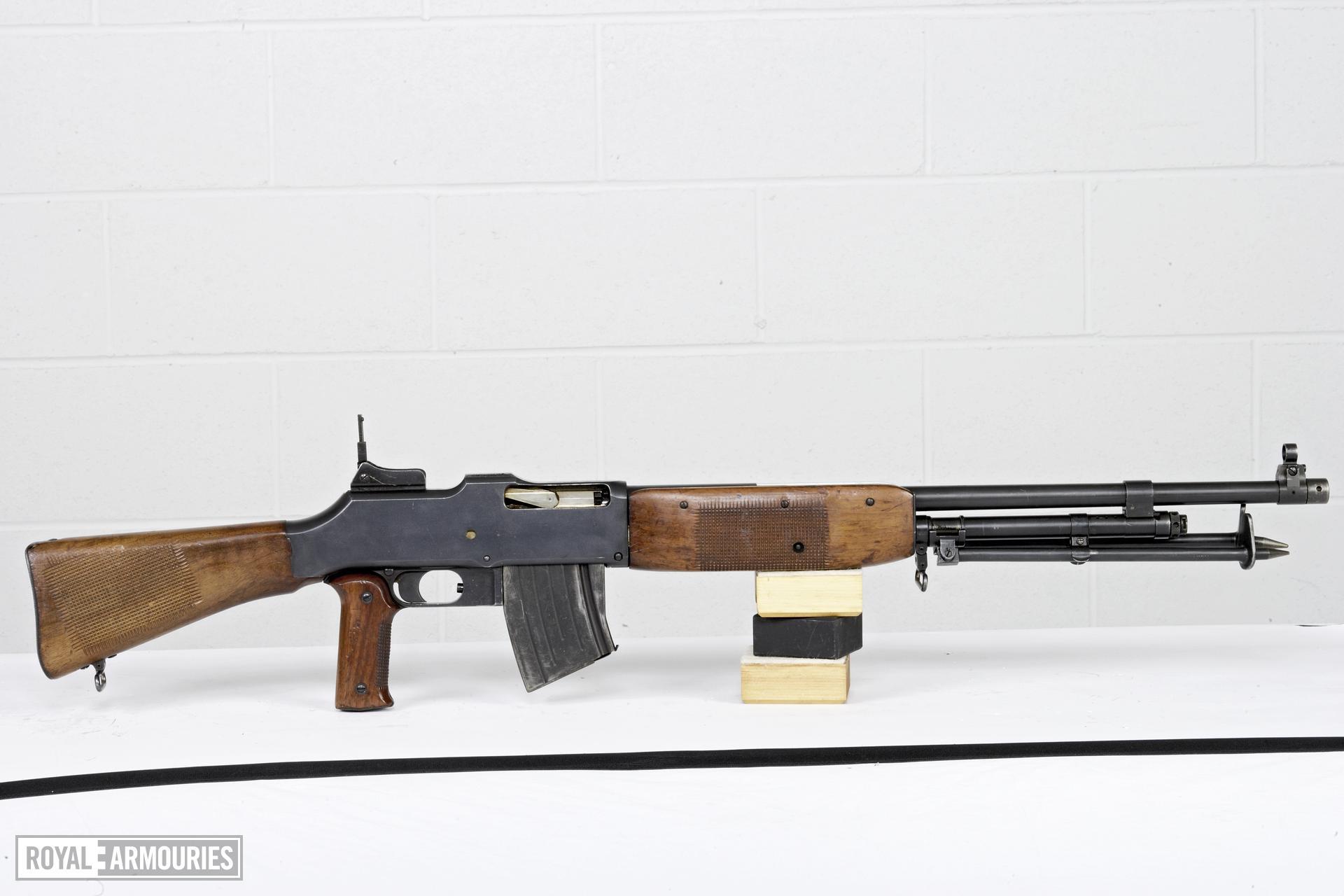 Centrefire automatic light machine gun - Browning Model 1921
