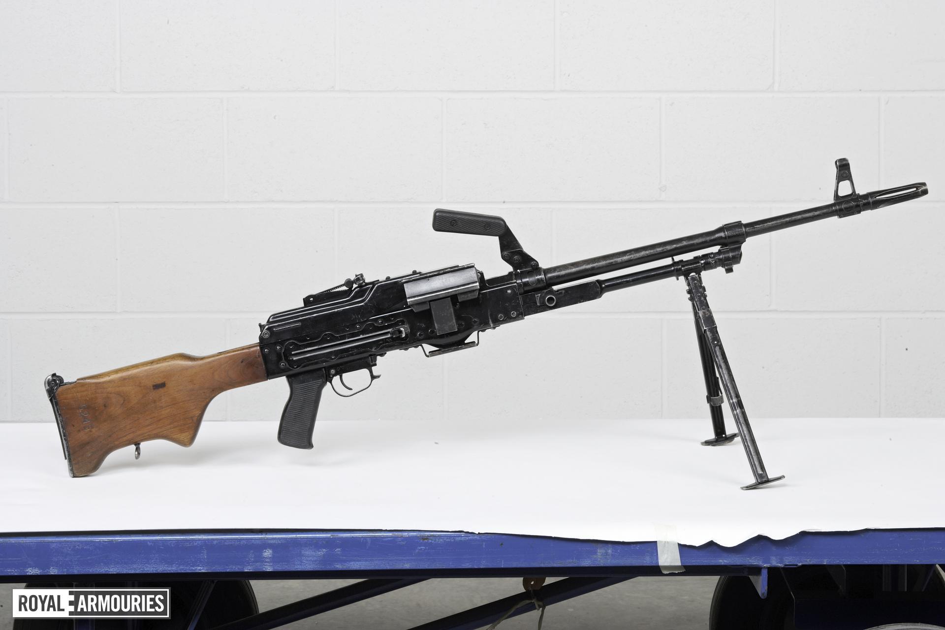 Centrefire automatic machine gun - Kalashnikov PKM M84