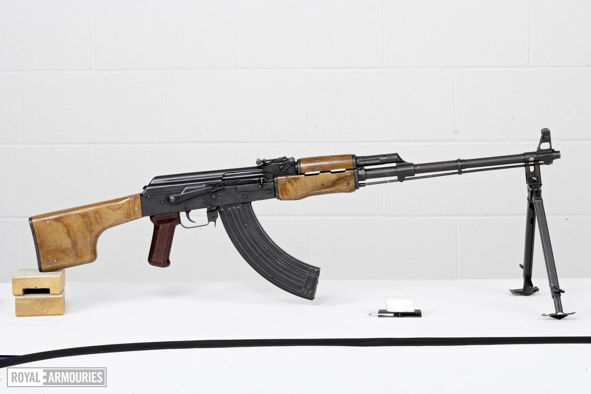 Centrefire automatic light machine gun - Kalashnikov RPK