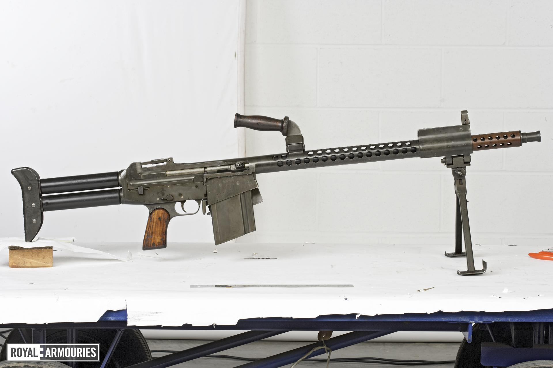 Centrefire automatic light machine gun - Dror Model 2