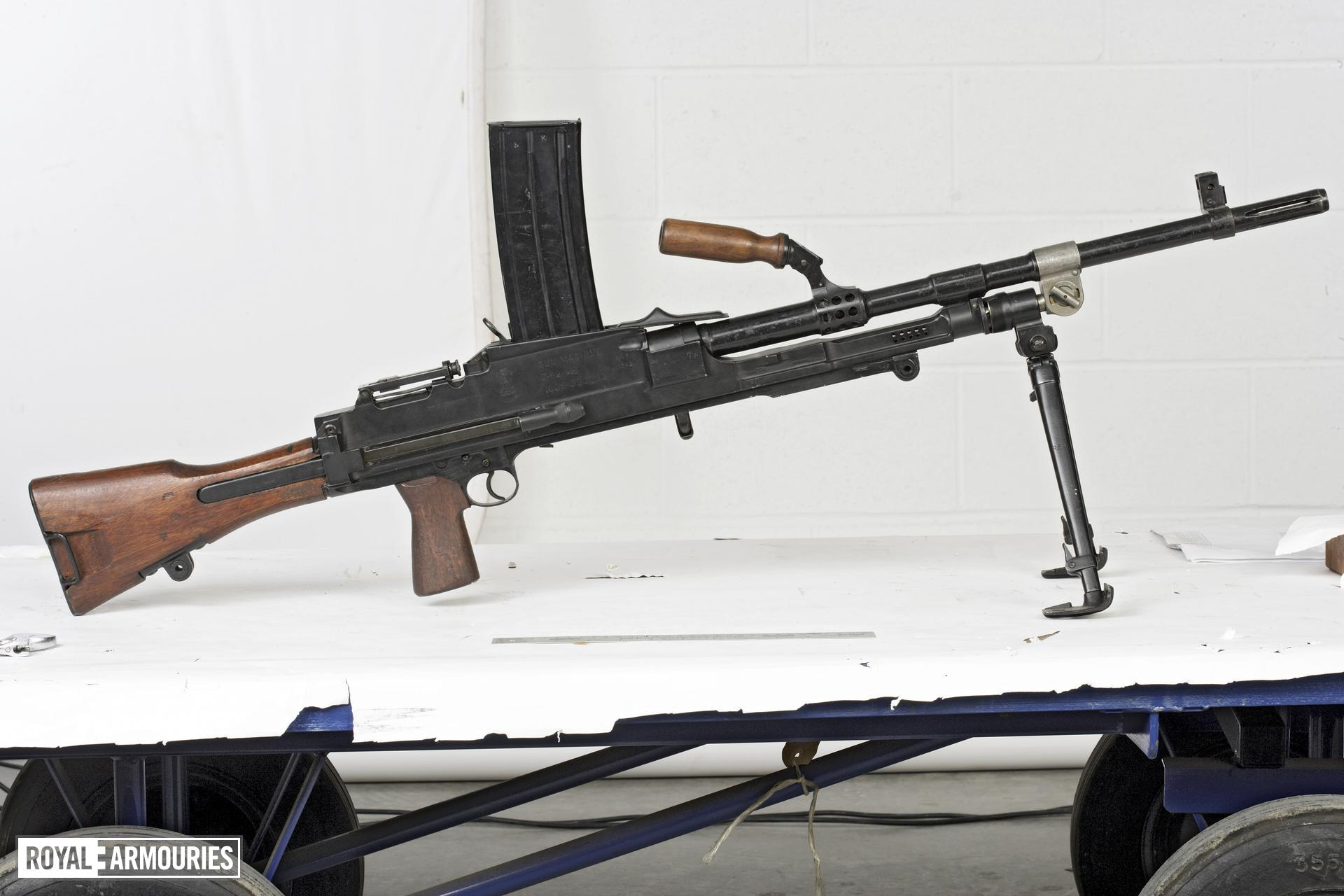 Centrefire automatic machine gun - Bren Model 1B