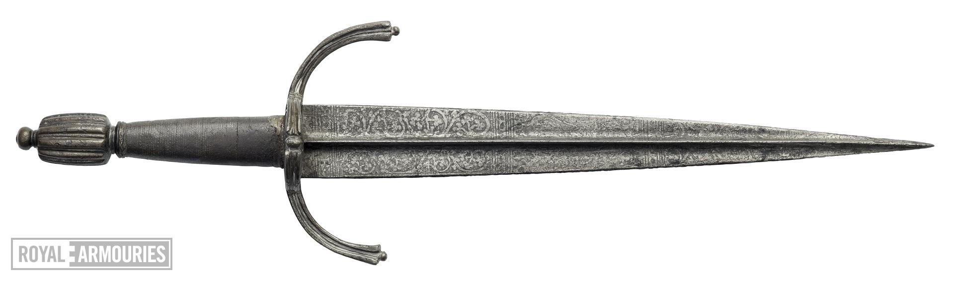 Dagger - Left Hand Dagger With etched, floral blade