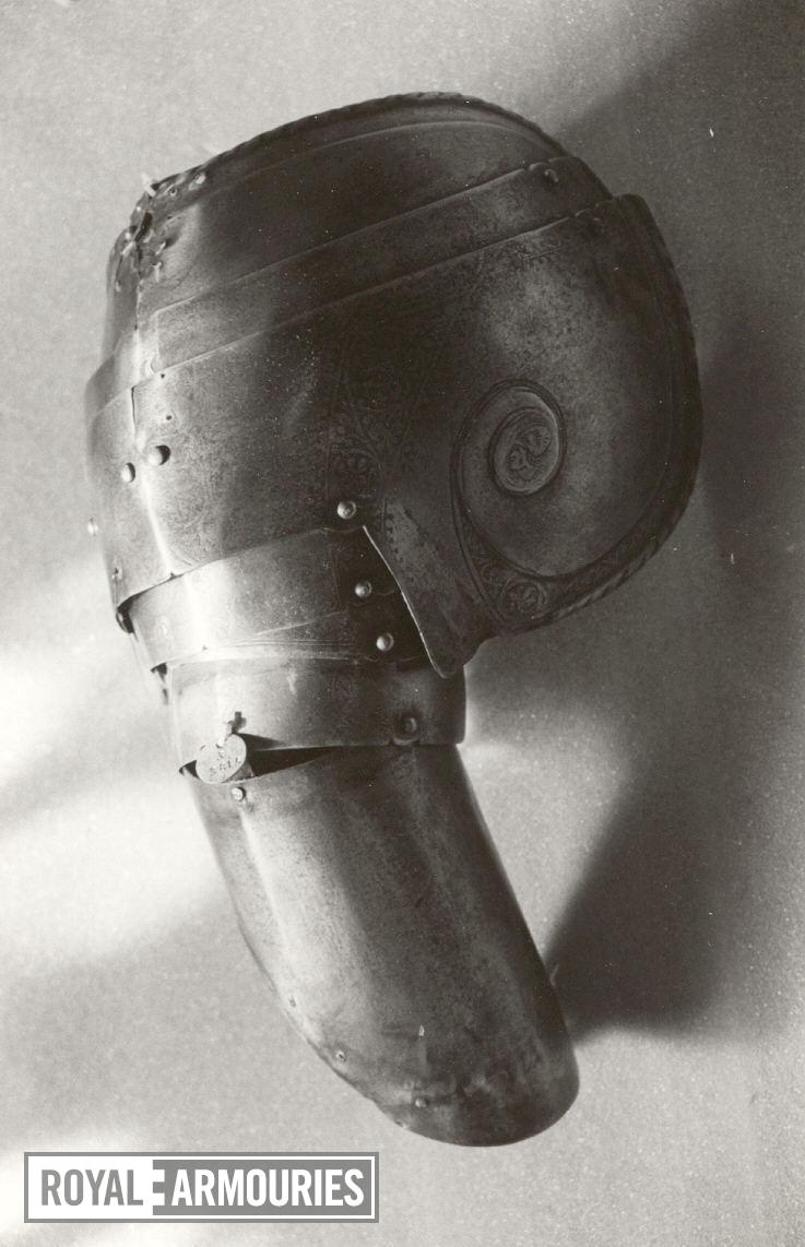 Lower lame of a Pauldron