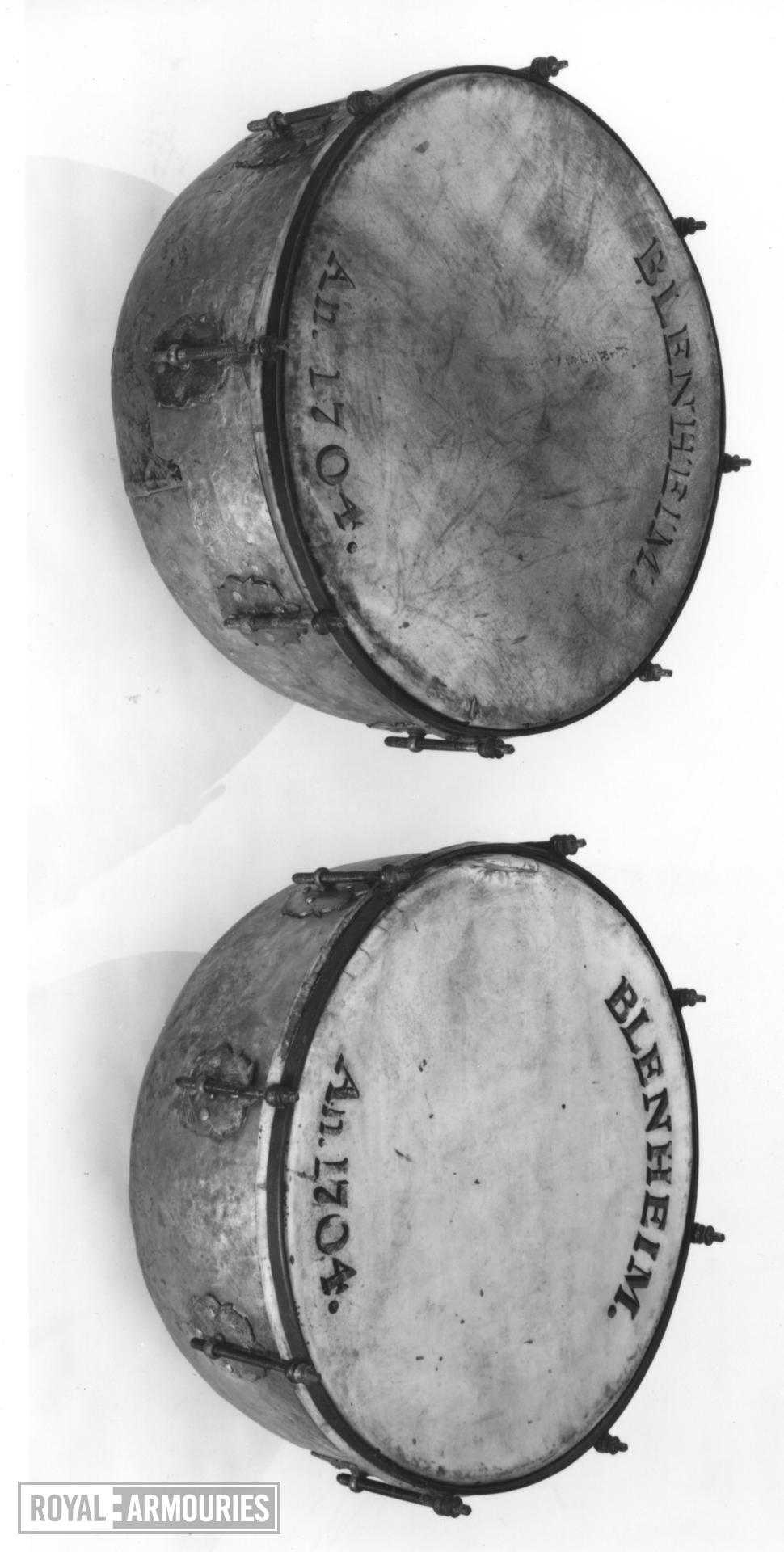 Kettle drum Pair to XVIII.17