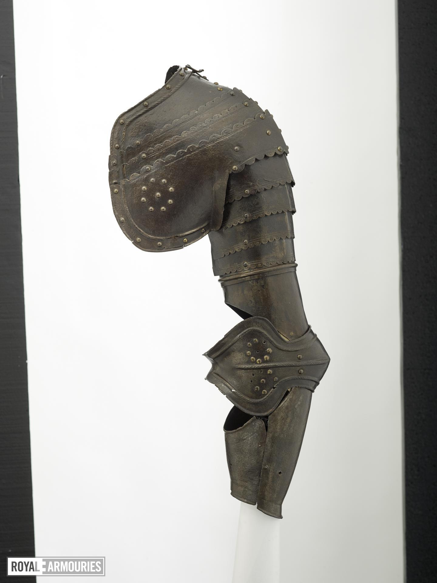 Left pauldron and vambrace Littlecote collection