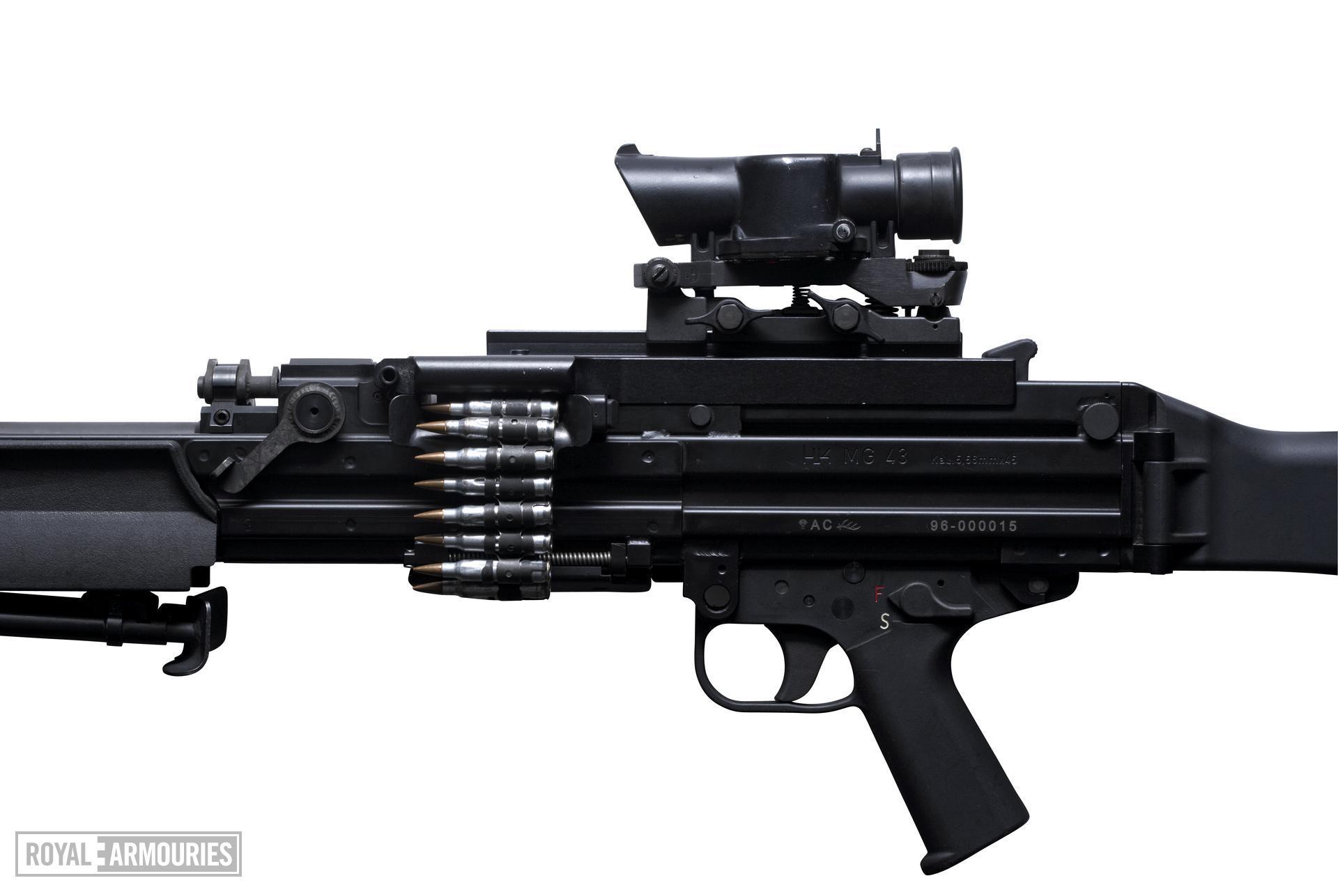 Centrefire automatic machine gun - HK MG 43