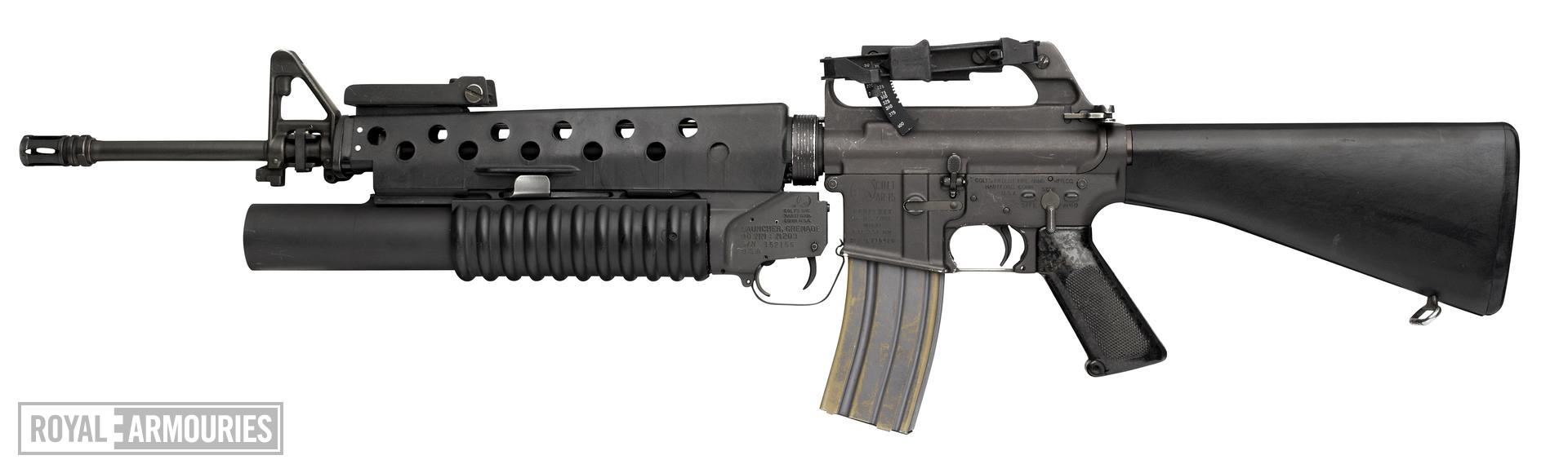 Centrefire breech-loading grenade launcher - M203 For M16 rifle