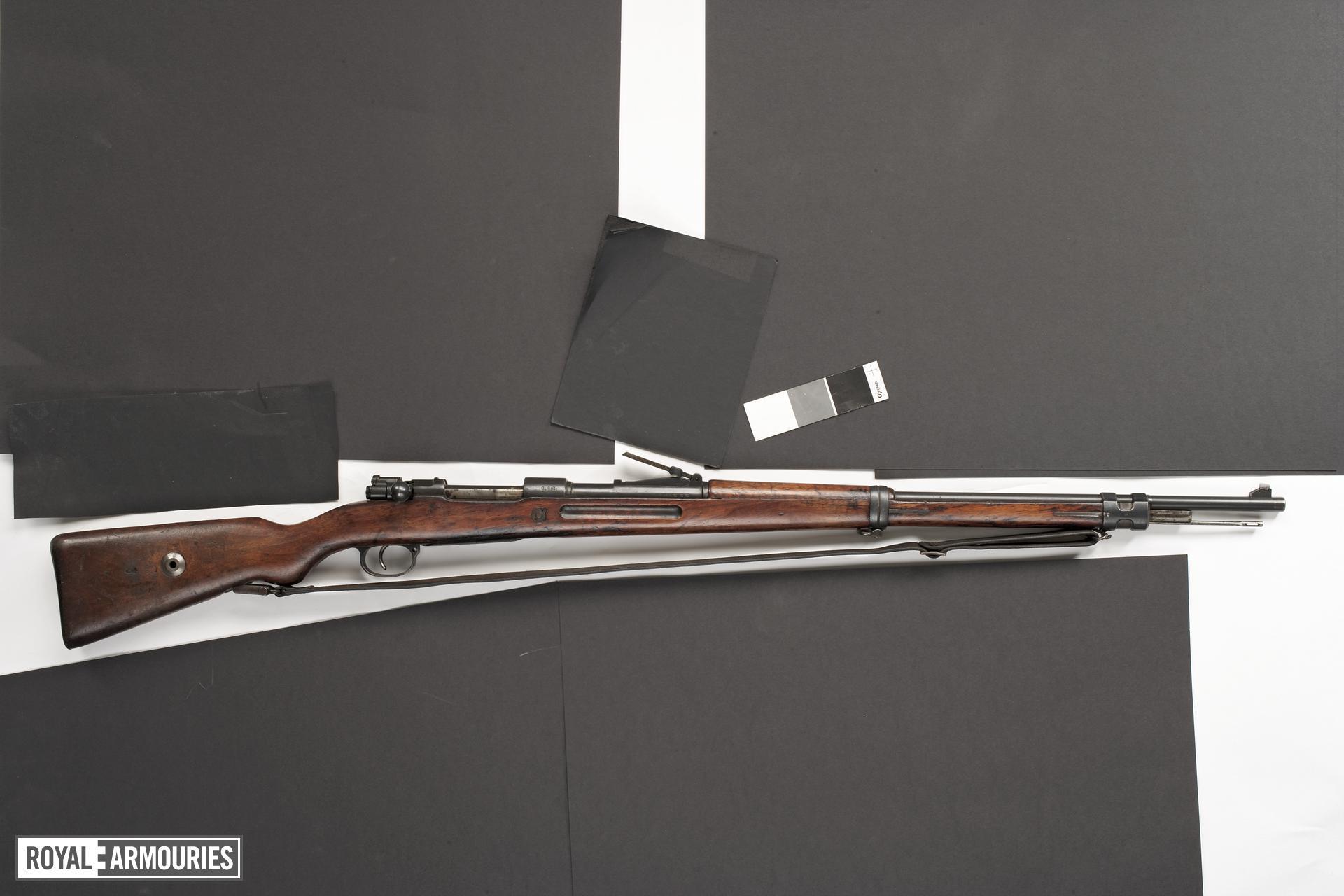 Centrefire bolt-action rifle - Mauser Gewehr 98 B