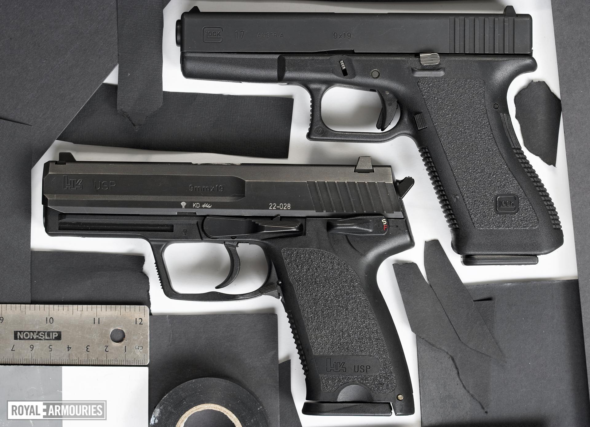 Centrefire self-loading pistol - Glock 17 Generation 2 Standard Generation 2 pattern full-size service pistol.