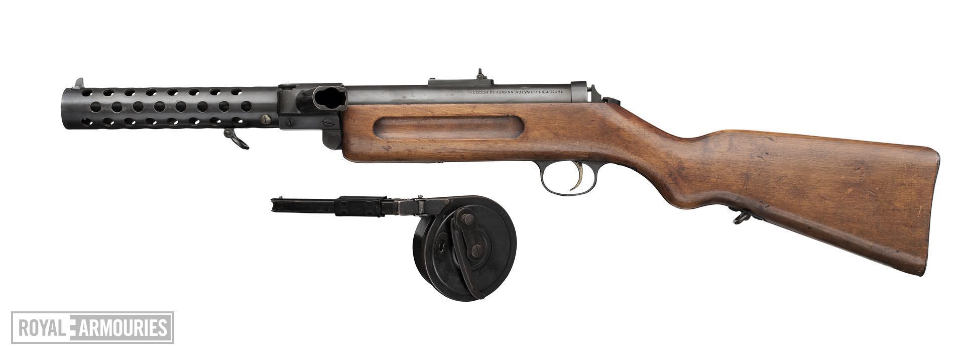 Bergmann MP18/1 submachine gun, German