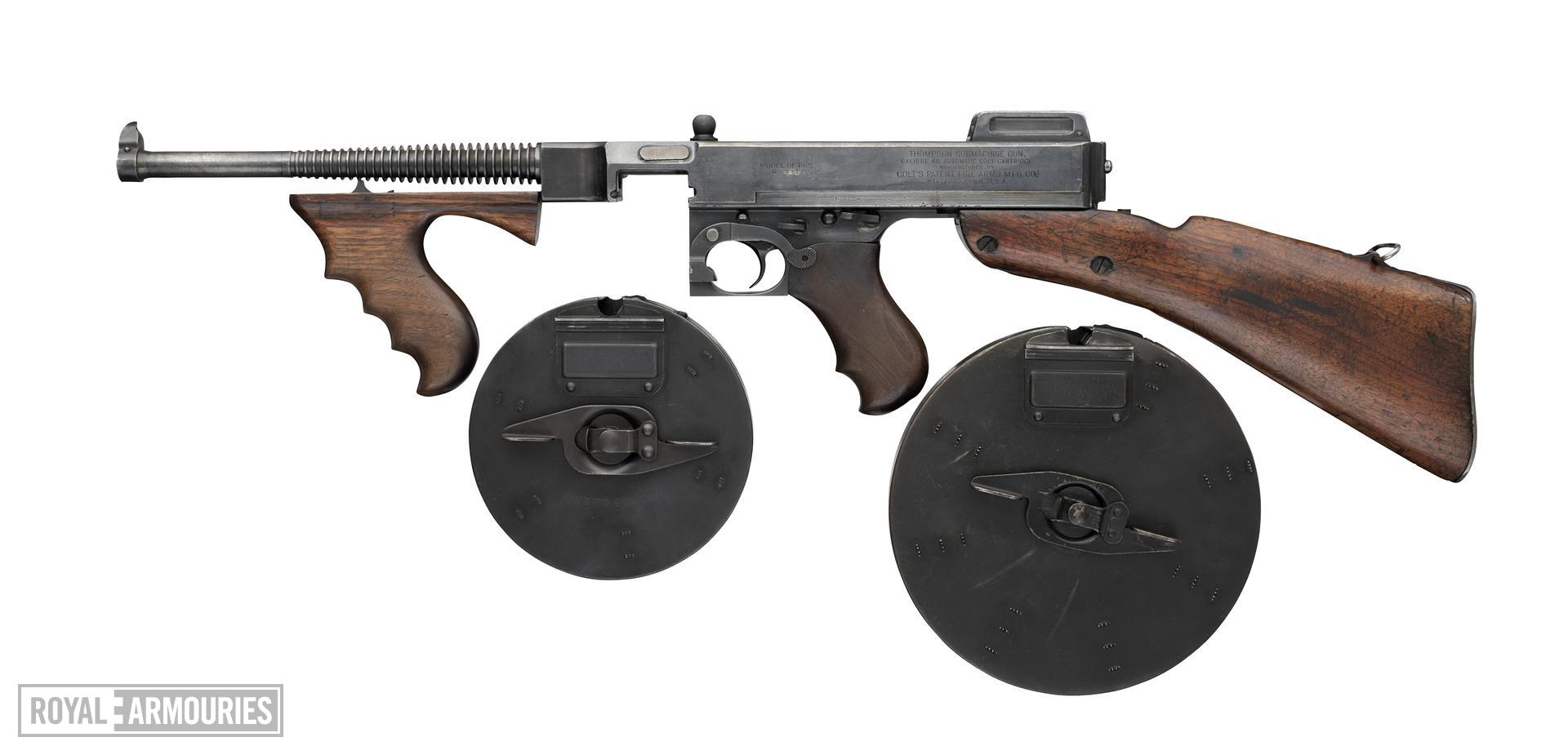 Centrefire automatic submachine gun - Thompson Model 1921
