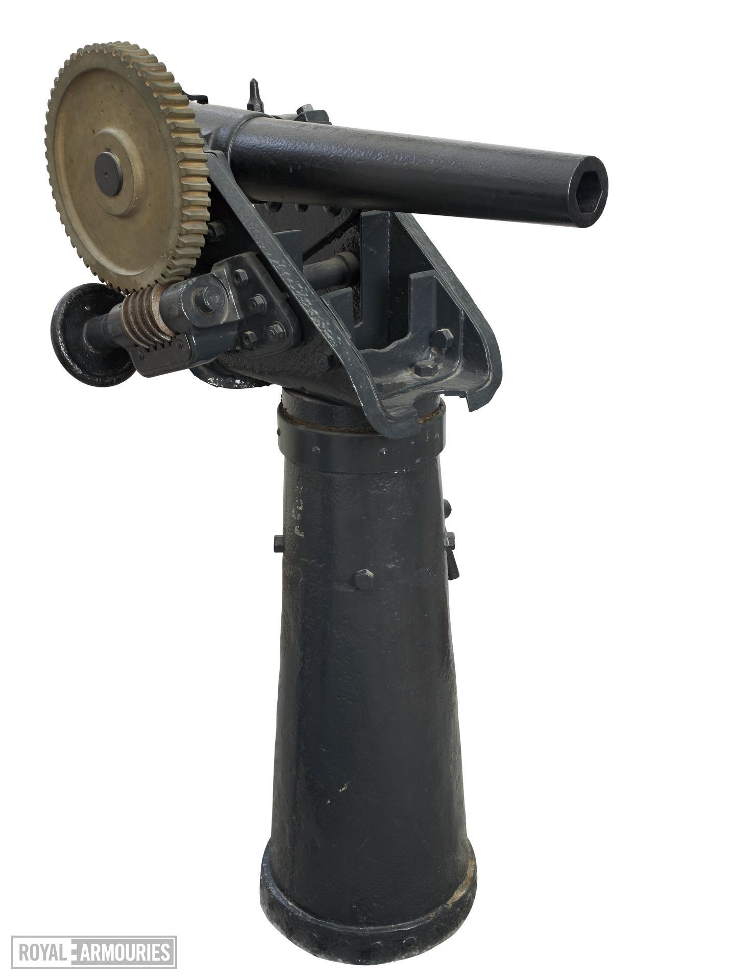 3 in boat gun and pedestal - Whitworth type Breech-loading Made of steel
