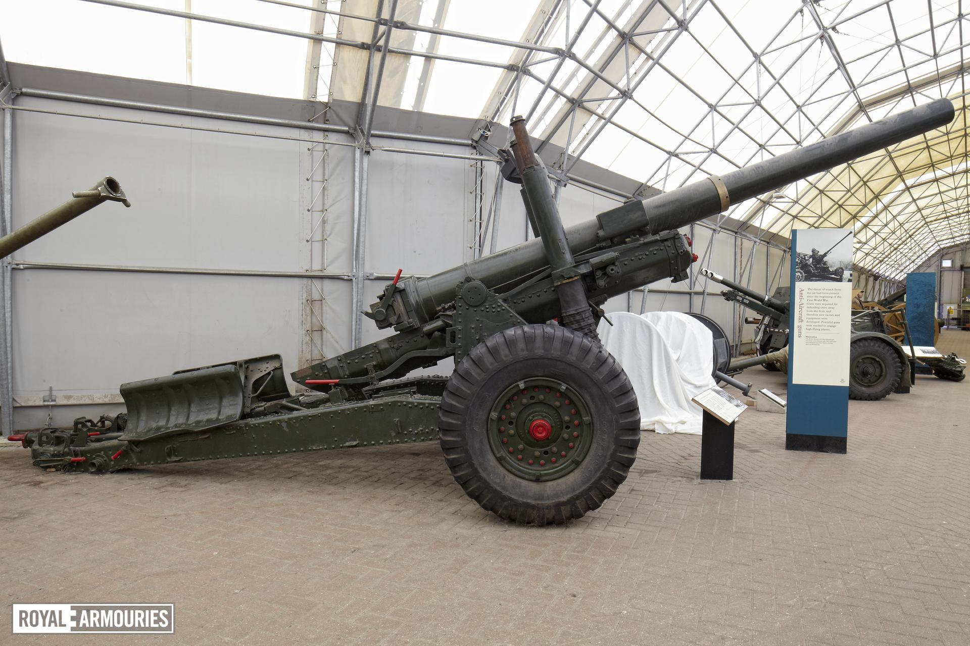 5.5 in medium gun and carriage