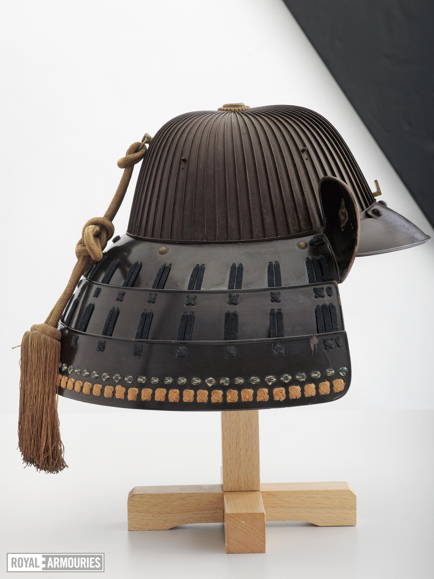 Helmet (suji kabuto)