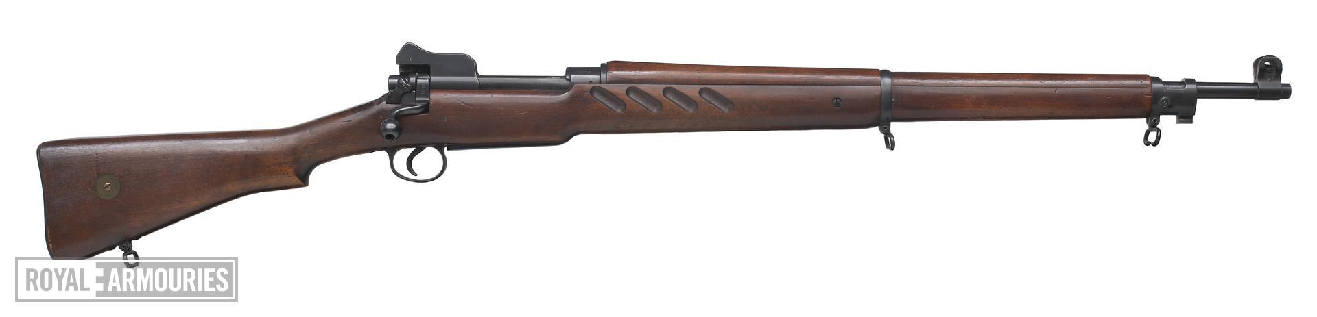 Bolt action military rifle, Enfield Pattern 1913 Rifle. Britain, Enfield, 1913. Experimental design, one of only 1251 examples, not including the 6 Improved Model weapons.