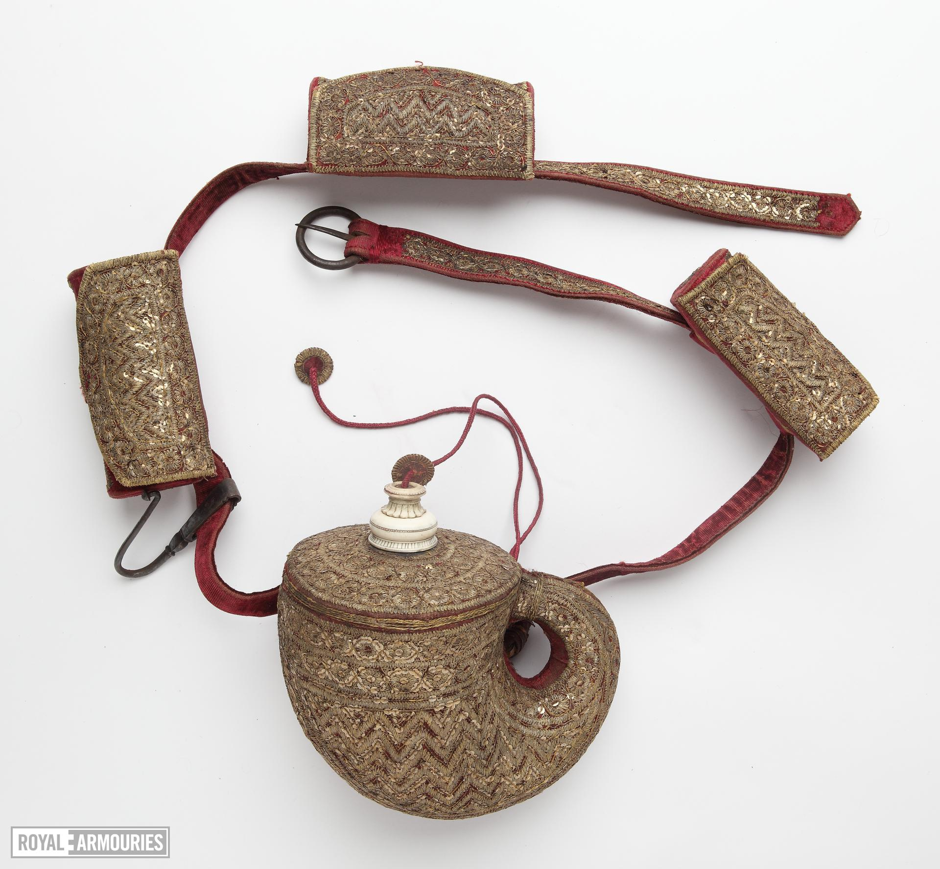 Belt with pouches and powder flask (kamar)