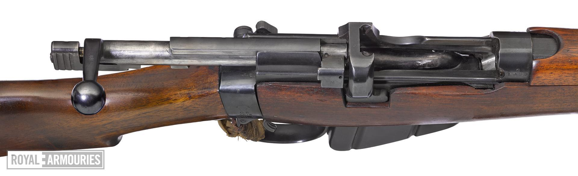 Small Magazine Lee Enfield Mk III* centrefire bolt action rifle (SMLE Mk III), with sealed pattern, Enfield, Britain, about 1907