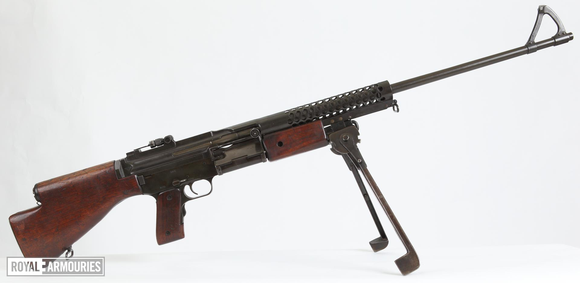 Johnson M1941 LMG (Light Machine Gun). Recoil operated machine gun manufactured by Johnson, USA. (PR.7050)