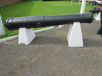 Thumbnail image of Gun on display at Fort Paull.