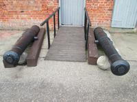 Thumbnail image of The two guns on display at Fort Paull. It is unclear which is which as they are identical.
